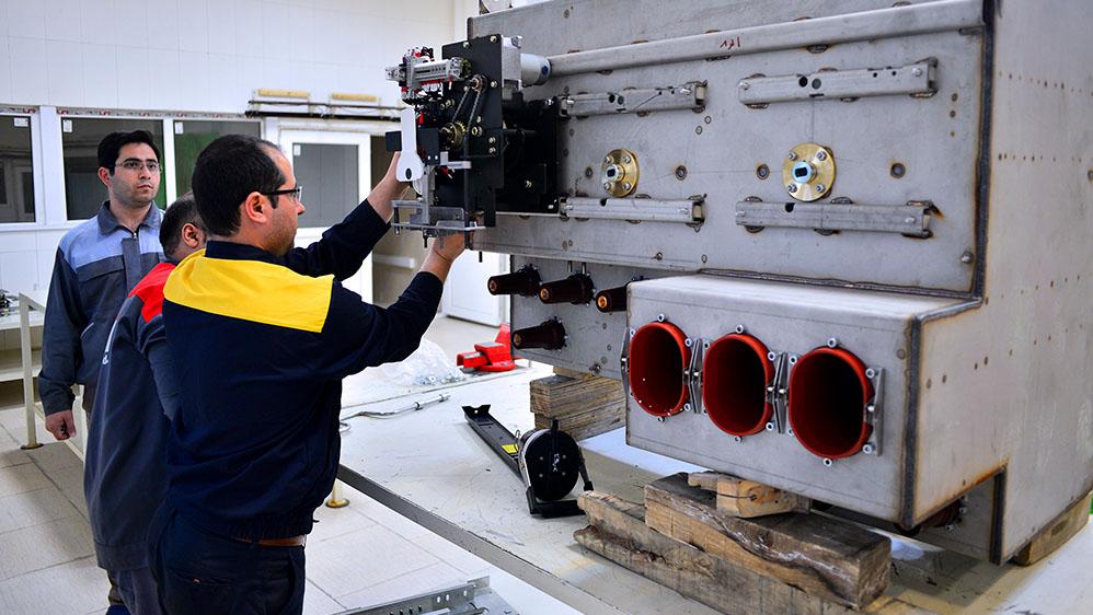 دستیابی به دانش فنی تولید تجهیزات مهم پستهای فشار قوی برق با مشارکت بنیاد برکت