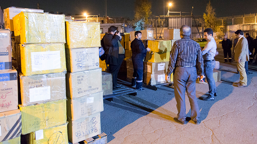 لجنة تنفيذ امر الامام(ره) ترسل 30 الف علبة من الحلیب المجفف الی المناطق المنكوبة بالزلزال
