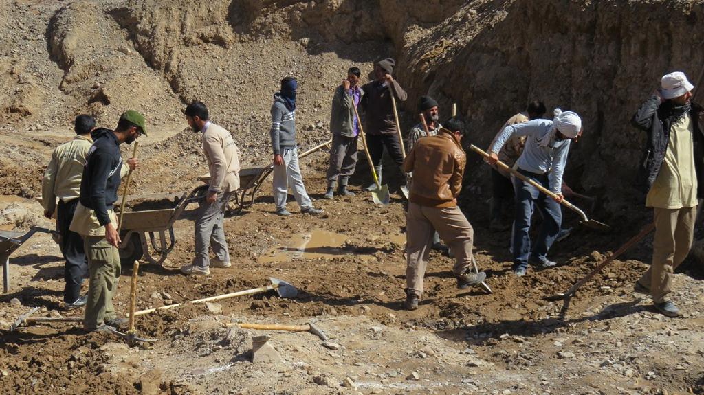 گزارش اقدامات قرارگاه جهادی خدمترسانی برکت در زلزلهی کرمانشاه