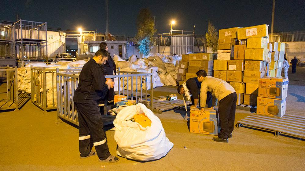 انتقال 150 تن کالای ضروری به مناطق زلزلهزده در حال انجام است